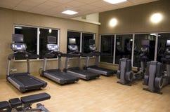 De gymnastiekruimte van het gezondheidsclubhotel Stock Fotografie