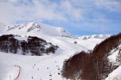 De höga bergen av Abruzzo fyllde med snö 0019 Royaltyfri Foto