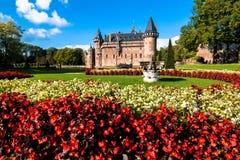 de Haar Castle surrouded与beautifull庭院 免版税库存图片