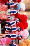 De haarspelden verkopen bij de markt Stock Foto's
