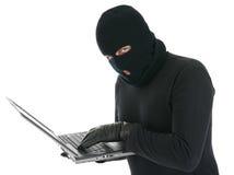 De hakker van de computer - misdadiger met laptop Stock Fotografie