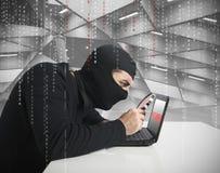 Hakker en wachtwoord Royalty-vrije Stock Afbeeldingen
