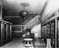 De hal van het filmtheater (Alle afgeschilderde personen leven niet langer en geen landgoed bestaat Leveranciersgaranties dat er  Royalty-vrije Stock Foto's
