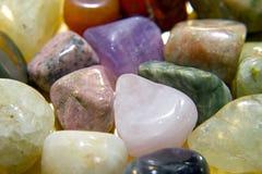 De halfedelstenen van het kristal kleuren spectrum stock fotografie