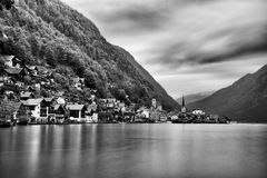 De Hallstattstad en het meer Hallstatter zien mening (Oostenrijk) Royalty-vrije Stock Fotografie