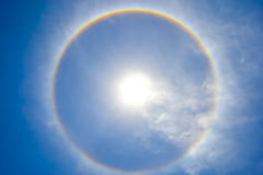 De Halo van de zon in de Hemel royalty-vrije stock fotografie