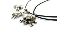 De halsband en de ring van de schedel Stock Afbeeldingen