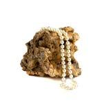 De halsband van de parel op koraal Stock Afbeeldingen