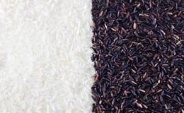 De halve van de de rijstbes van de jasmijnrijst halve achtergrond van de de rijsttextuur Royalty-vrije Stock Foto