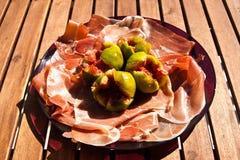 De ham van Parma met fig. Royalty-vrije Stock Foto's