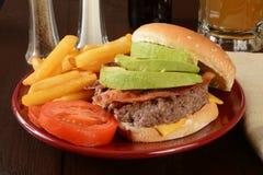 De hamburger van de baconavocado Royalty-vrije Stock Foto's