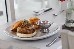 De Hamburger van het rundvlees Stock Foto