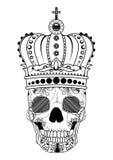 De hand die van de lijnkunst zwarte schedel met kroon trekken op had op witte achtergrond geïsoleerd Dudlingsstijl Tatoo Zenart k Royalty-vrije Stock Fotografie