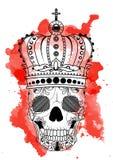 De hand die van de lijnkunst zwarte schedel met kroon trekken op had op witte achtergrond met rode waterverfvlekken geïsoleerd Du Royalty-vrije Stock Fotografie