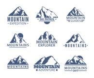 De hand getrokken reeks van het Bergenembleem De vectorpictogrammen van Ski Resort, de elementen van het bergsilhouet Rit en Snow vector illustratie