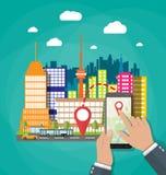 De hand houdt smartphone met navigatie app vector illustratie