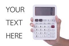 De hand toont calculator met nul aantal op het scherm op witte achtergrond Royalty-vrije Stock Fotografie