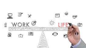 De hand trekt een schets van een concept van het het werk lif saldo met pictogram Stock Afbeelding