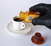 De Hand van de gifmoordenaar Royalty-vrije Stock Afbeeldingen