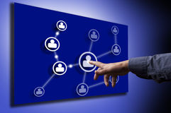 De hand van de mens het drukken het Sociale pictogram van het Netwerk Royalty-vrije Stock Afbeeldingen