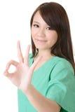 De hand van de vrouw die op wit wordt geïsoleerdu Stock Foto's