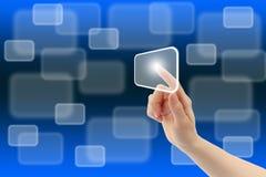 De hand van de vrouw met de interface van het aanrakingsscherm Royalty-vrije Stock Foto