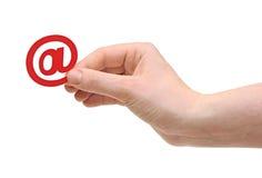 De hand van de vrouw met e-mailpictogram Royalty-vrije Stock Afbeelding