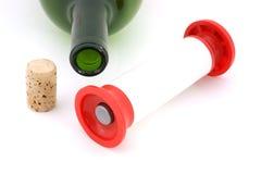 De hand van de wijn corker en cork Stock Afbeelding