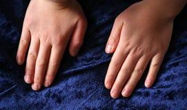 De hand van het kind Royalty-vrije Stock Foto's