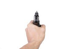 De hand van mensen met een Halfautomatisch die 9mm kanon op witte achtergrond wordt geïsoleerd Stock Afbeelding