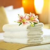 De handdoeken van het hotel Stock Afbeeldingen