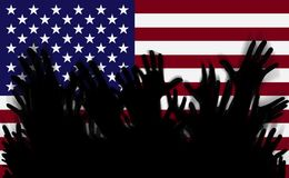 De handen silhouetteert omhoog op een vlag van Amerika Menigte van ventilators van voetbal royalty-vrije illustratie