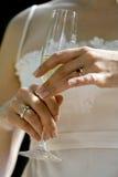 De handen van bruiden Royalty-vrije Stock Foto's