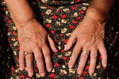 De handen van de oudste royalty-vrije stock fotografie