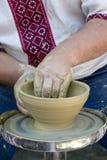 De handen van de pottenbakker royalty-vrije stock afbeelding