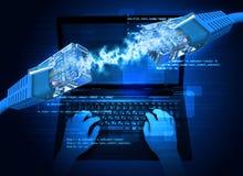 De handen van de vrouw met laptop en computerkabels Royalty-vrije Stock Afbeelding