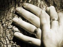 De handen van het echtpaar royalty-vrije stock foto
