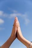 De handen van het gebed stock foto's