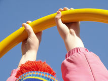 De handen van het kind Stock Foto's
