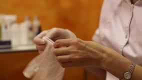 De Handschoenen van Artsenputs on medical stock videobeelden