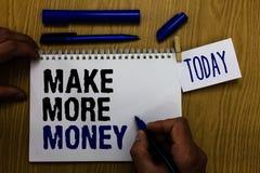 De handschrifttekst maakt Meer Geld De Verhoging van de conceptenbetekenis uw van het de voordelenwerk van het inkomenssalaris va royalty-vrije stock fotografie