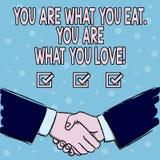 De handschrifttekst u is Wat u u bent eet van Wat u houdt Het Begin van de conceptenbetekenis om gezond voedsel te eten stock illustratie