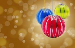 De hangende rode ballen van Kerstmis Stock Afbeelding