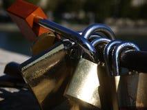 De hangsloten van Parijs Stock Foto