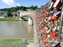 de hangslotenbrug in Salzburg stock foto