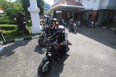 De Harleyminnaars verzamelen zich Royalty-vrije Stock Afbeeldingen