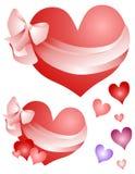 De Harten van de valentijnskaart die in het Art. van de Klem van Bogen worden verpakt Stock Foto