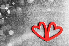 De harten van de valentijnskaartendag op metaal Stock Foto