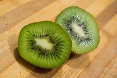 de hartstocht van het kiwifruit royalty-vrije stock afbeeldingen