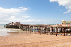De Hastingspijler, werd platgebrand in oktober 2010 Royalty-vrije Stock Foto's